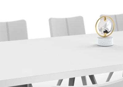 """Mit dieser luxuriösen """"radiant table light"""" wird jeder Tisch zu einem Blickfang"""